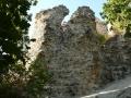 A külső várfal omladozó sarka