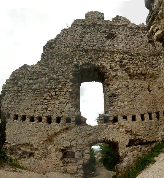 A torony ÉNY-i fala, belülről